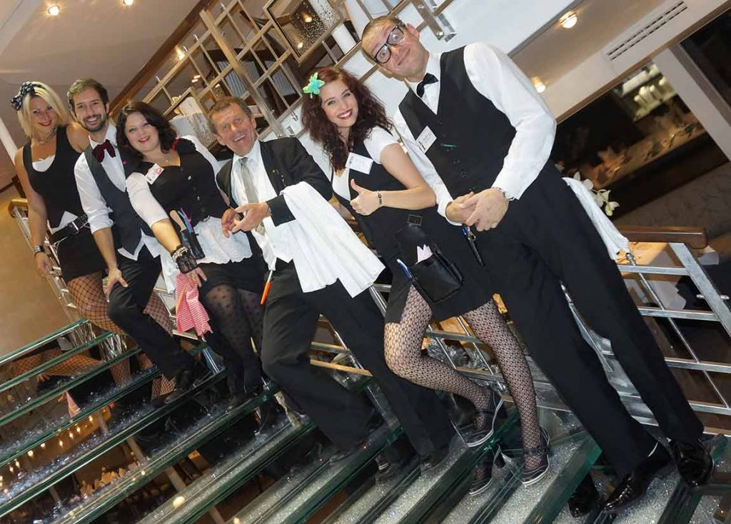 Klinging Waiters Chaos Show