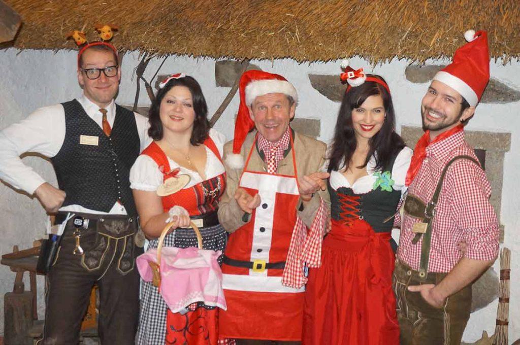 Klinging Waiters Trachten Weihnachtsshow