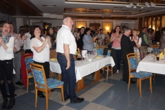 Tracht Standing Ovations s a gaudi